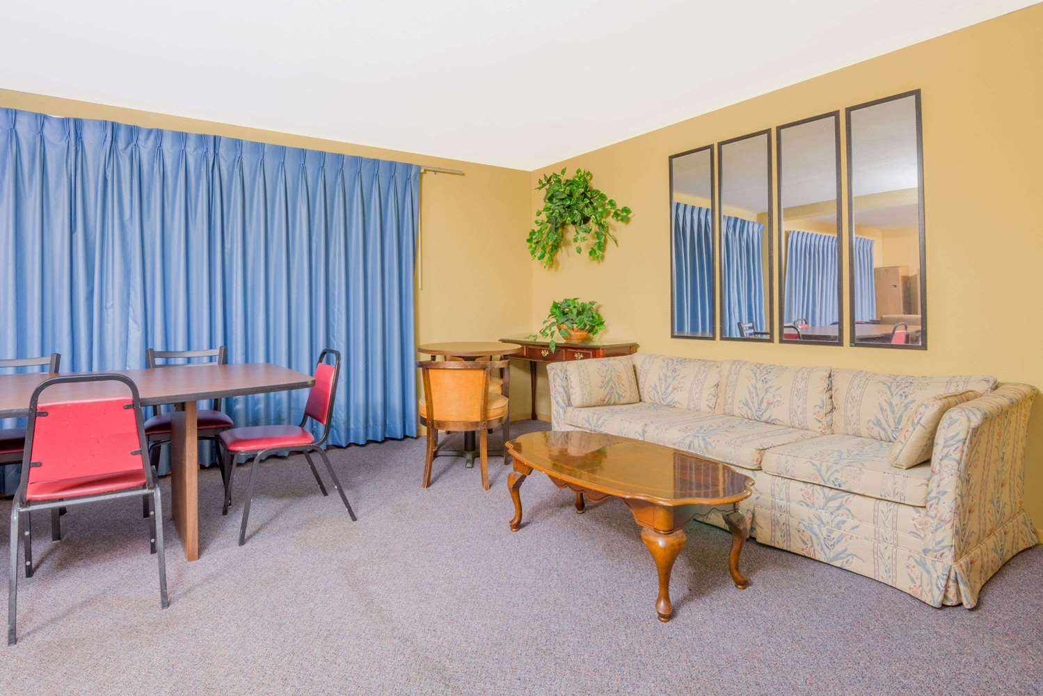 Meeting Facilities - Super 8 Hotel Shelbyville