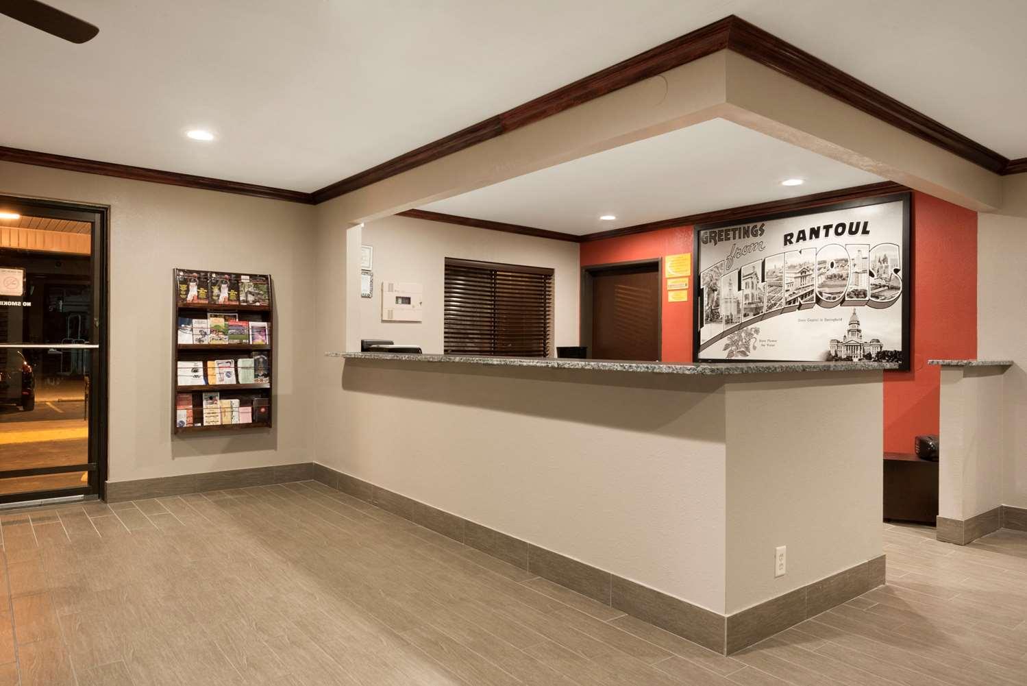 Lobby - Super 8 Hotel Rantoul