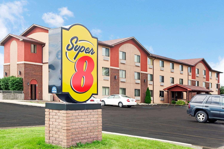 Exterior view - Super 8 Hotel Romeoville