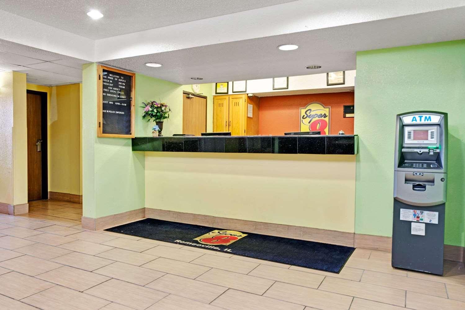 Lobby - Super 8 Hotel Romeoville