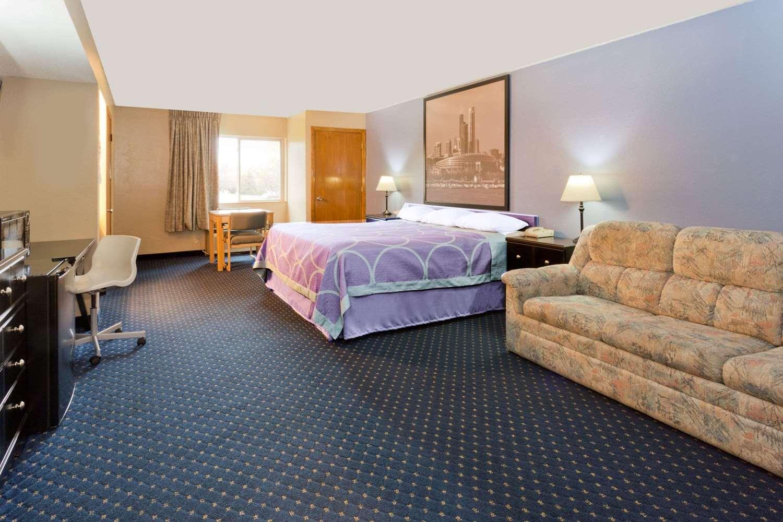 Room - Super 8 Hotel Rockford