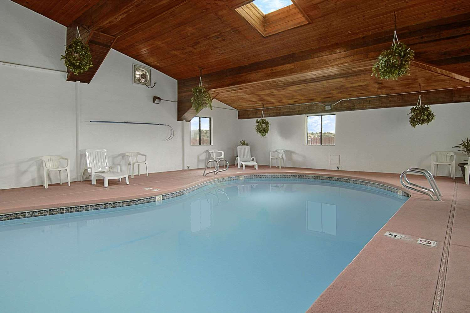 Pool - Super 8 Hotel Gallup