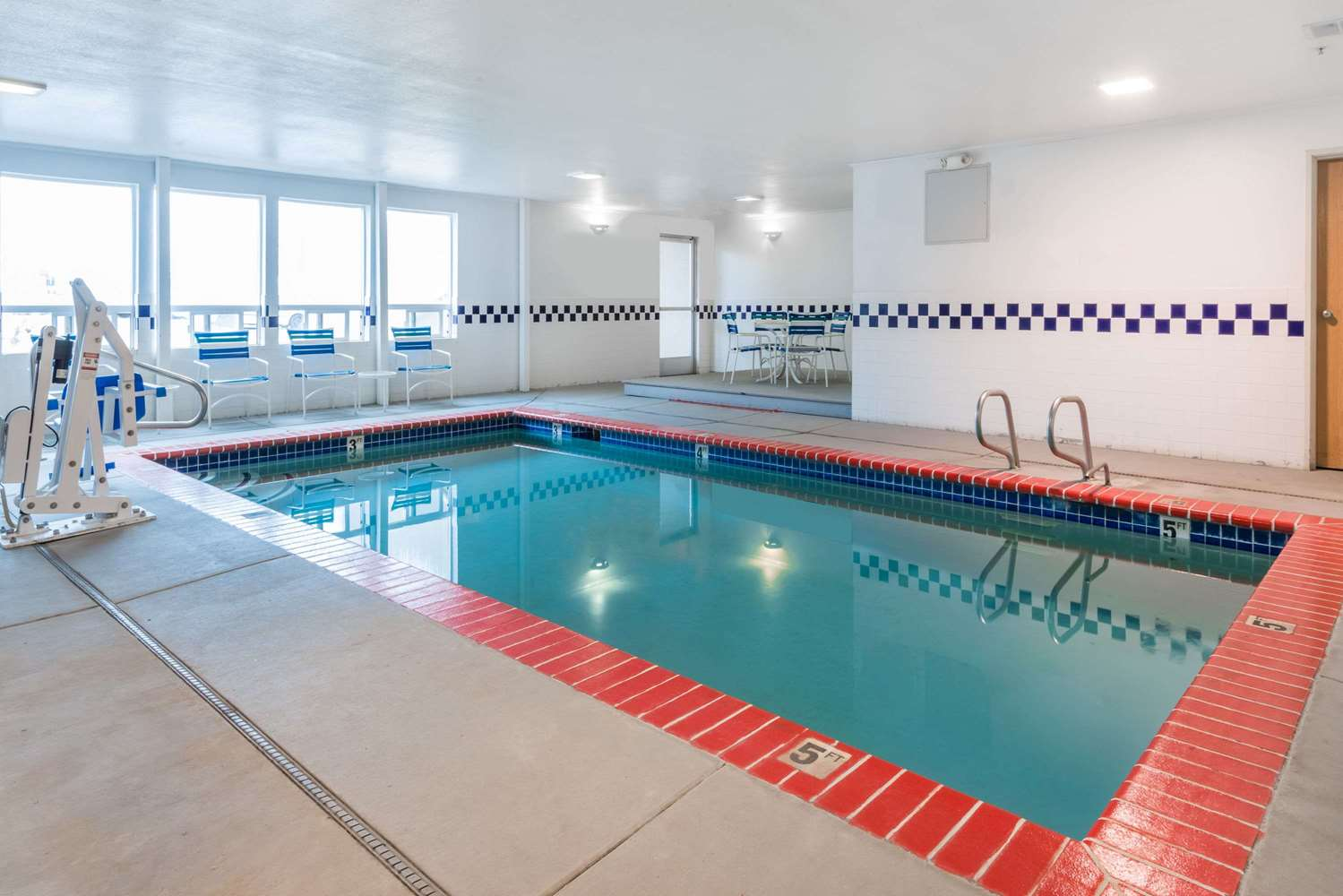 Pool - Super 8 Hotel Fernley