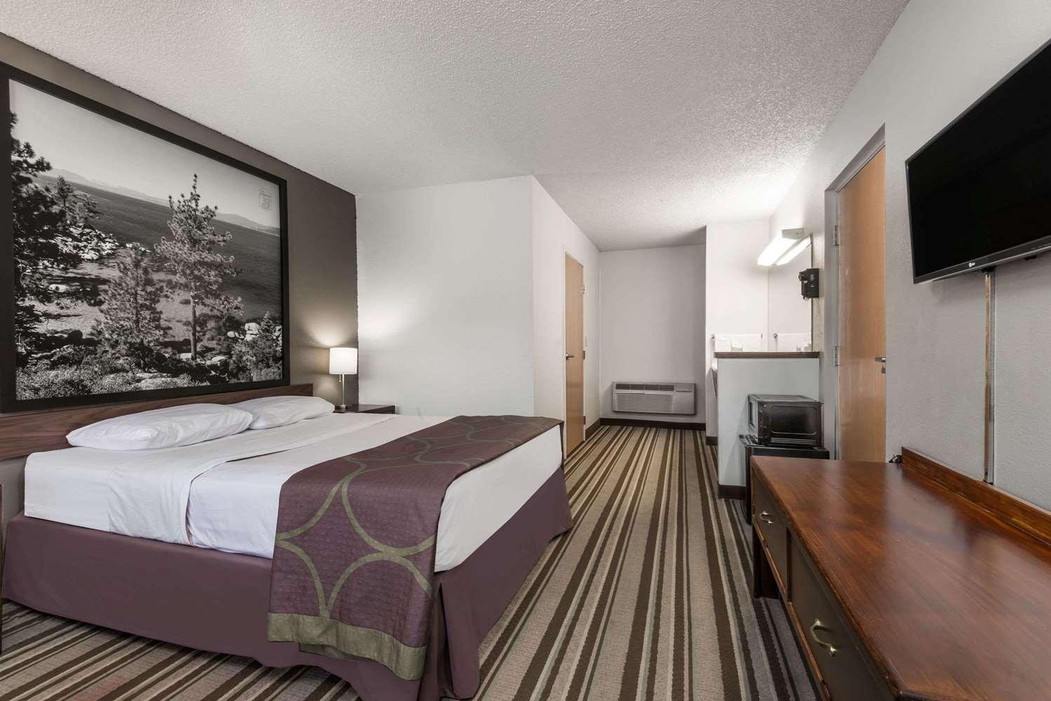 Room - Super 8 Hotel Fernley