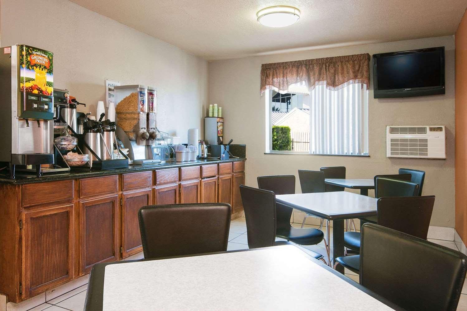 proam - Super 8 Hotel I-35 North San Antonio