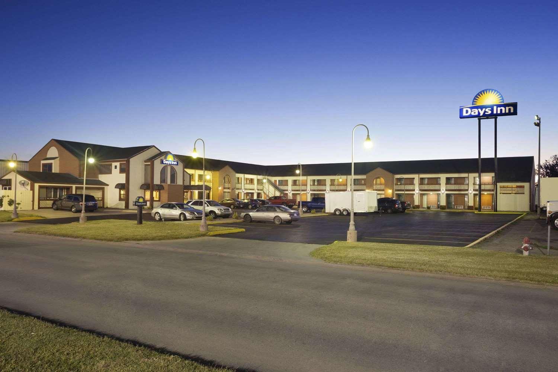Exterior view - Days Inn Wichita West