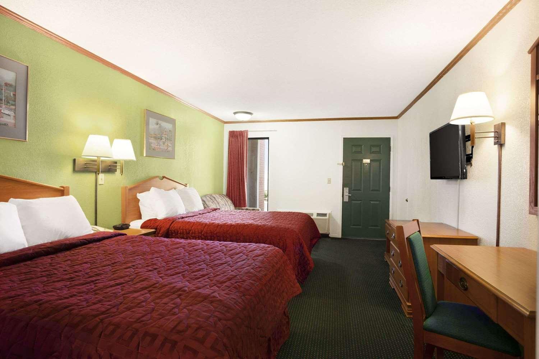 Room - Days Inn Wichita West