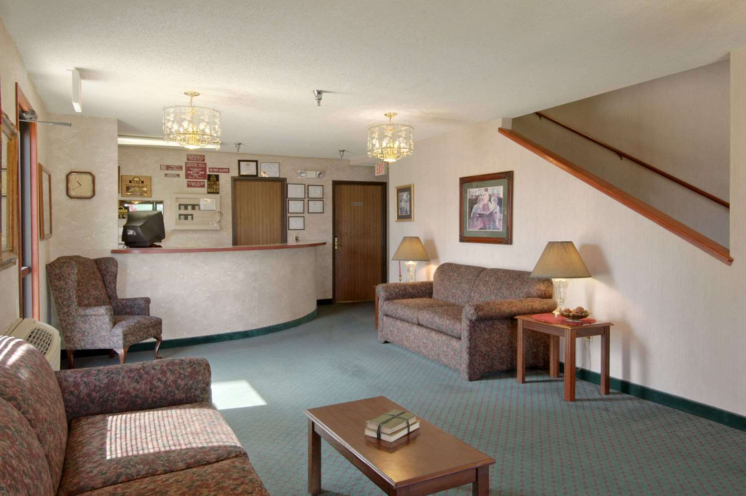 Lobby - Days Inn I-70 Salina