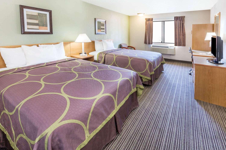 Room - Super 8 Hotel Bend