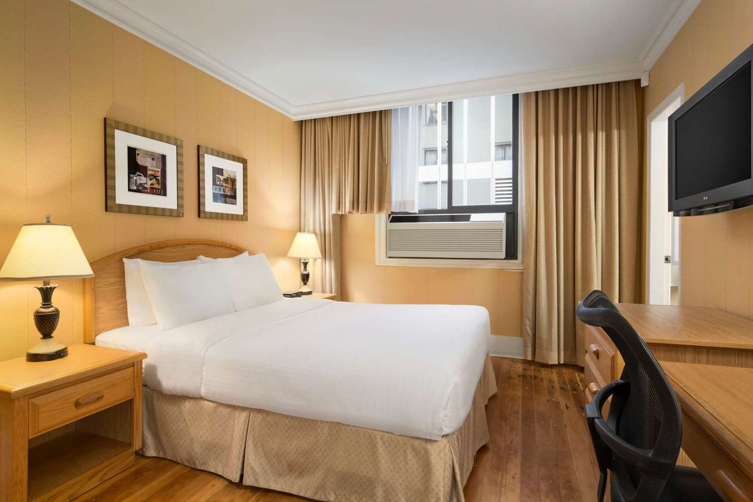 Room - Days Inn Downtown Vancouver