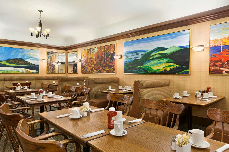 Restaurant - Days Inn Downtown Vancouver