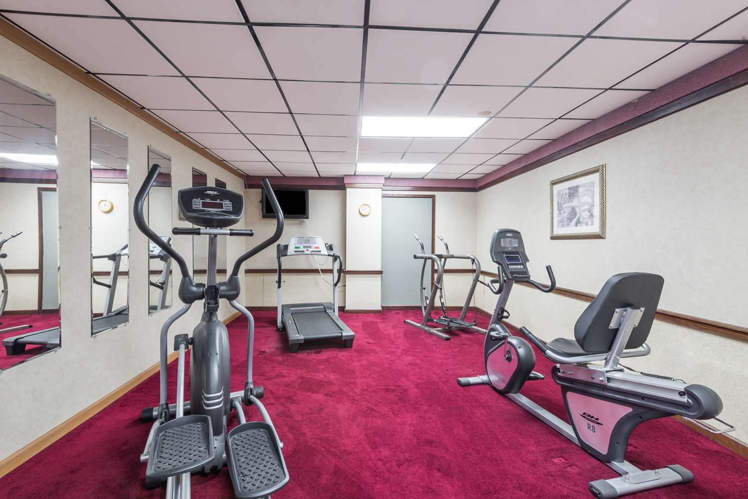 Fitness/ Exercise Room - Days Inn South Pittsburgh