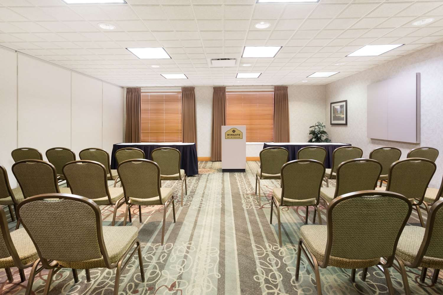 Wingate By Wyndham Hotel Calgary Ab See Discounts