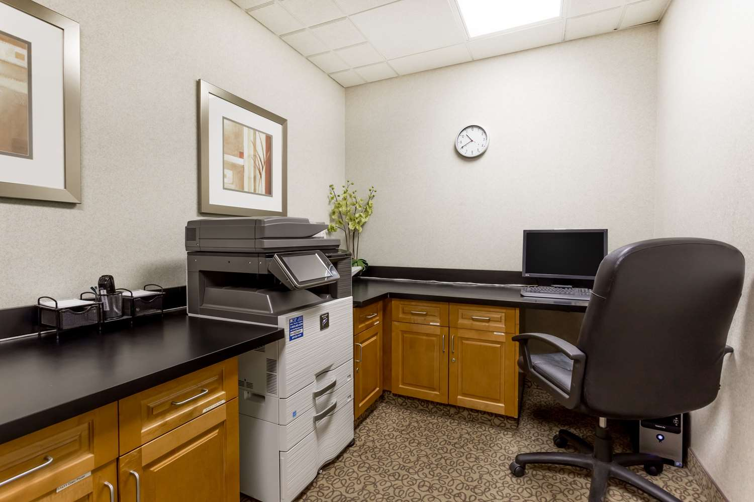 Conference Area - Wingate by Wyndham Hotel Calgary