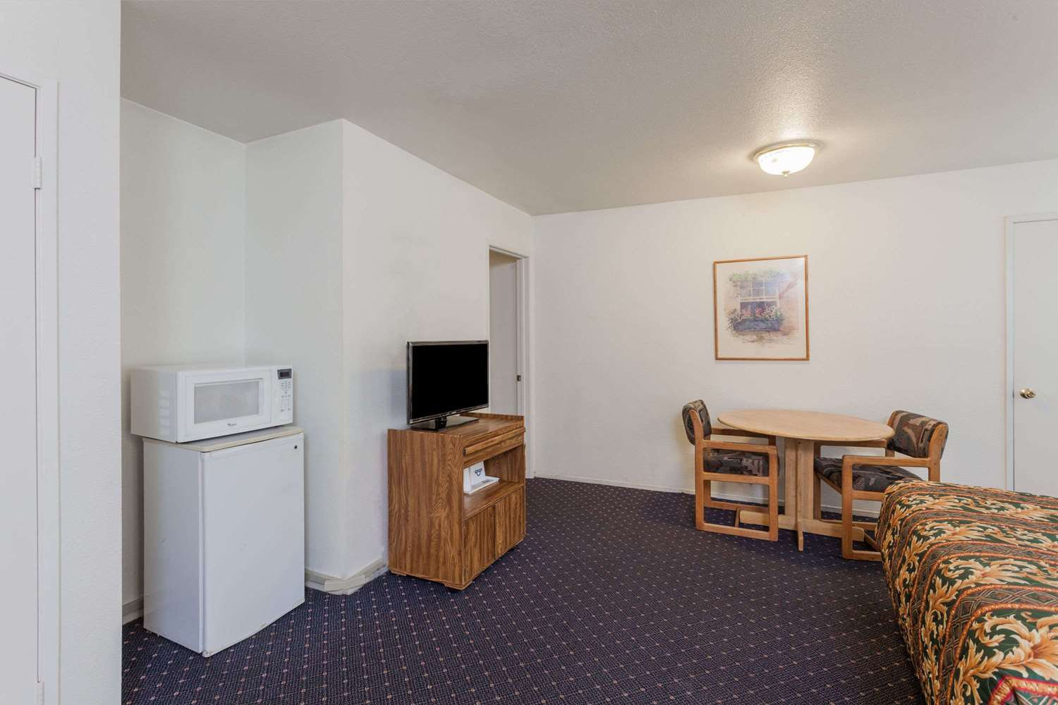 Room - Days Inn Disneyland West Anaheim