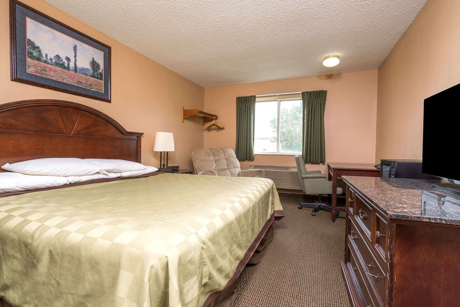 Room - Howard Johnson Inn West Fargo