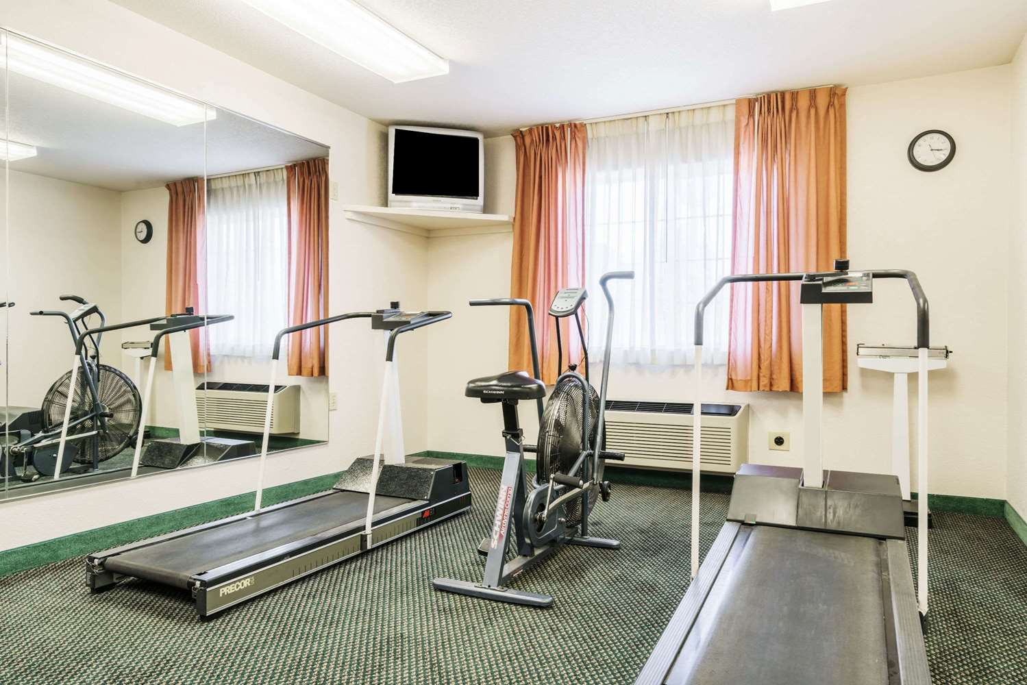 Fitness/ Exercise Room - Super 8 Hotel Sheldon