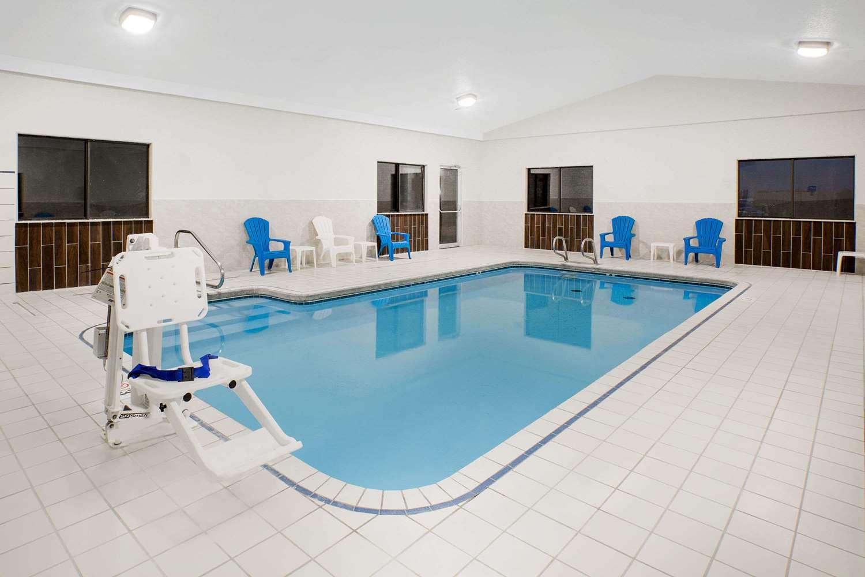 Pool - Days Inn York