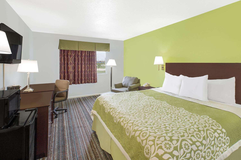 Room - Days Inn York
