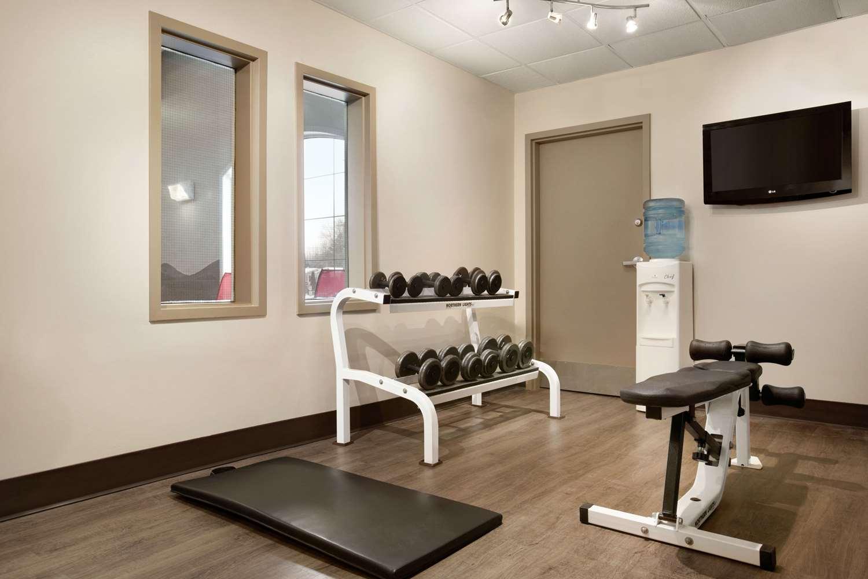 Fitness/ Exercise Room - Days Inn Brandon