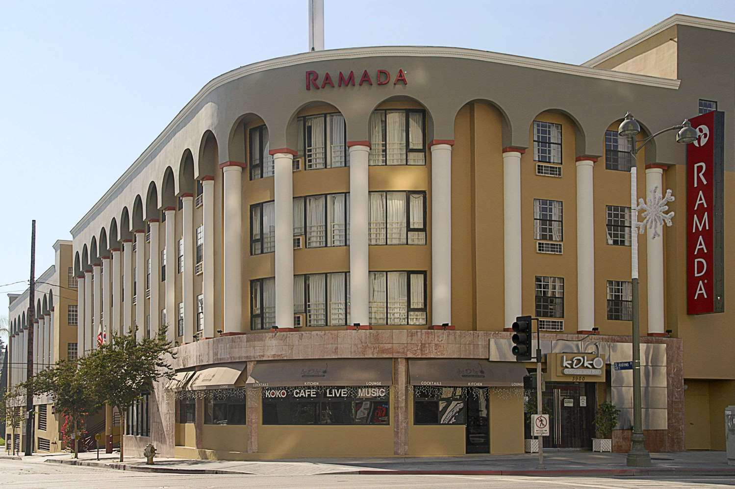 Exterior view - Ramada Hotel Wilshire Center Los Angeles