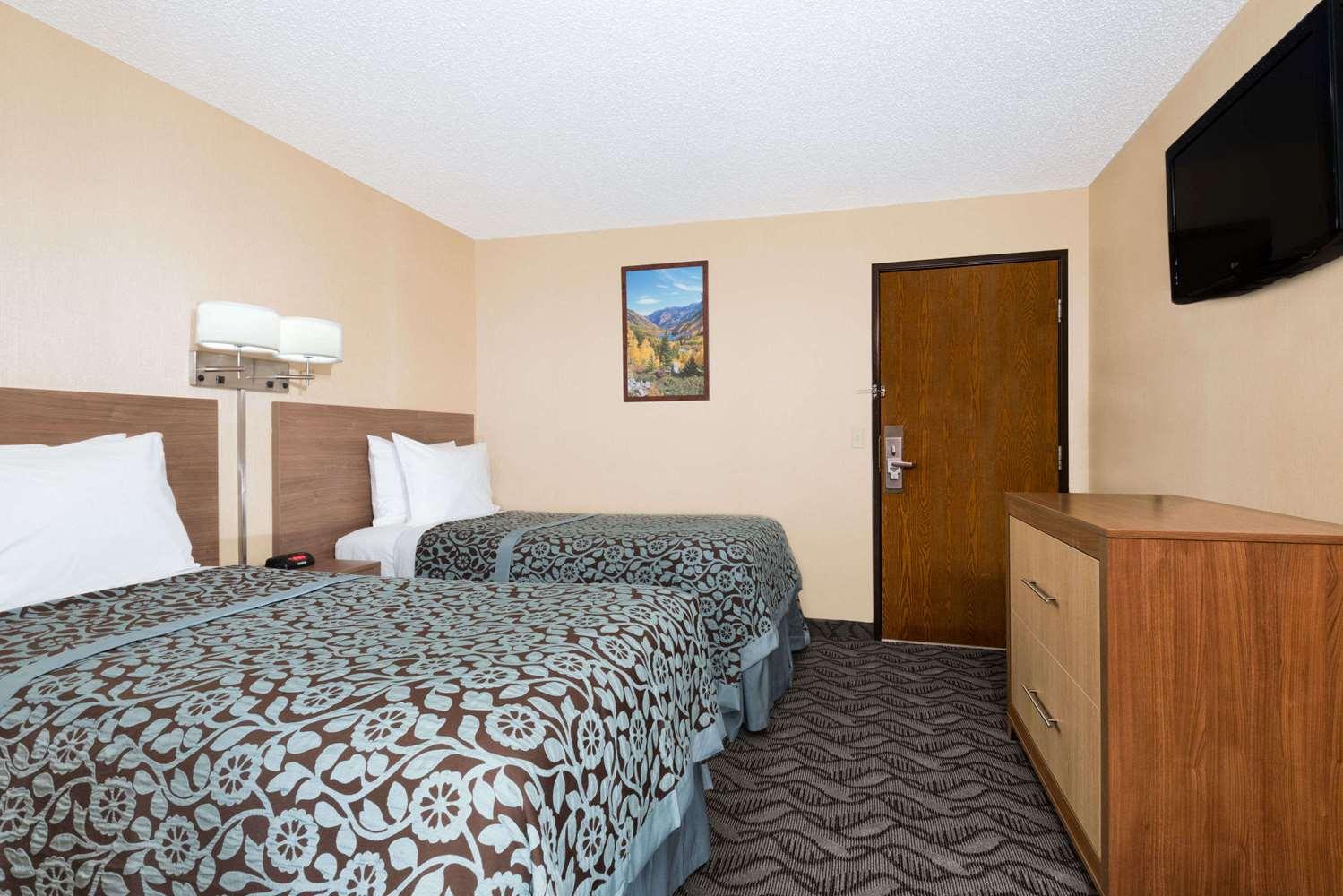 Room - Days Inn Carbondale