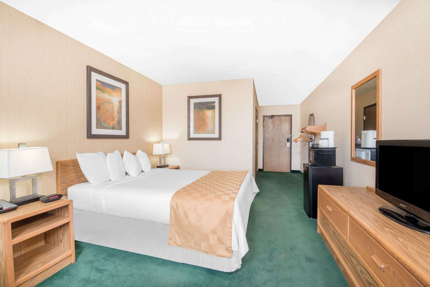 Days Inn Fargo Airport Dome Suites Nd See Discounts