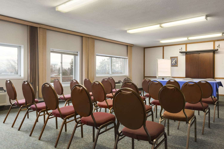 Meeting Facilities - Days Inn Brockville