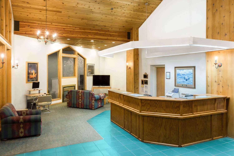 Lobby - Days Inn Butte