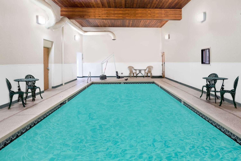 Pool - Days Inn Butte