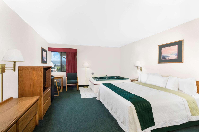Suite - Days Inn Butte