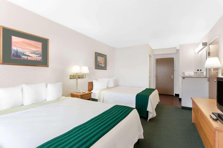 Room - Days Inn Butte