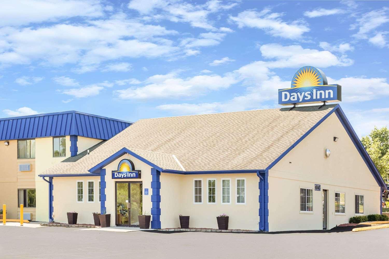 Exterior view - Days Inn Des Moines
