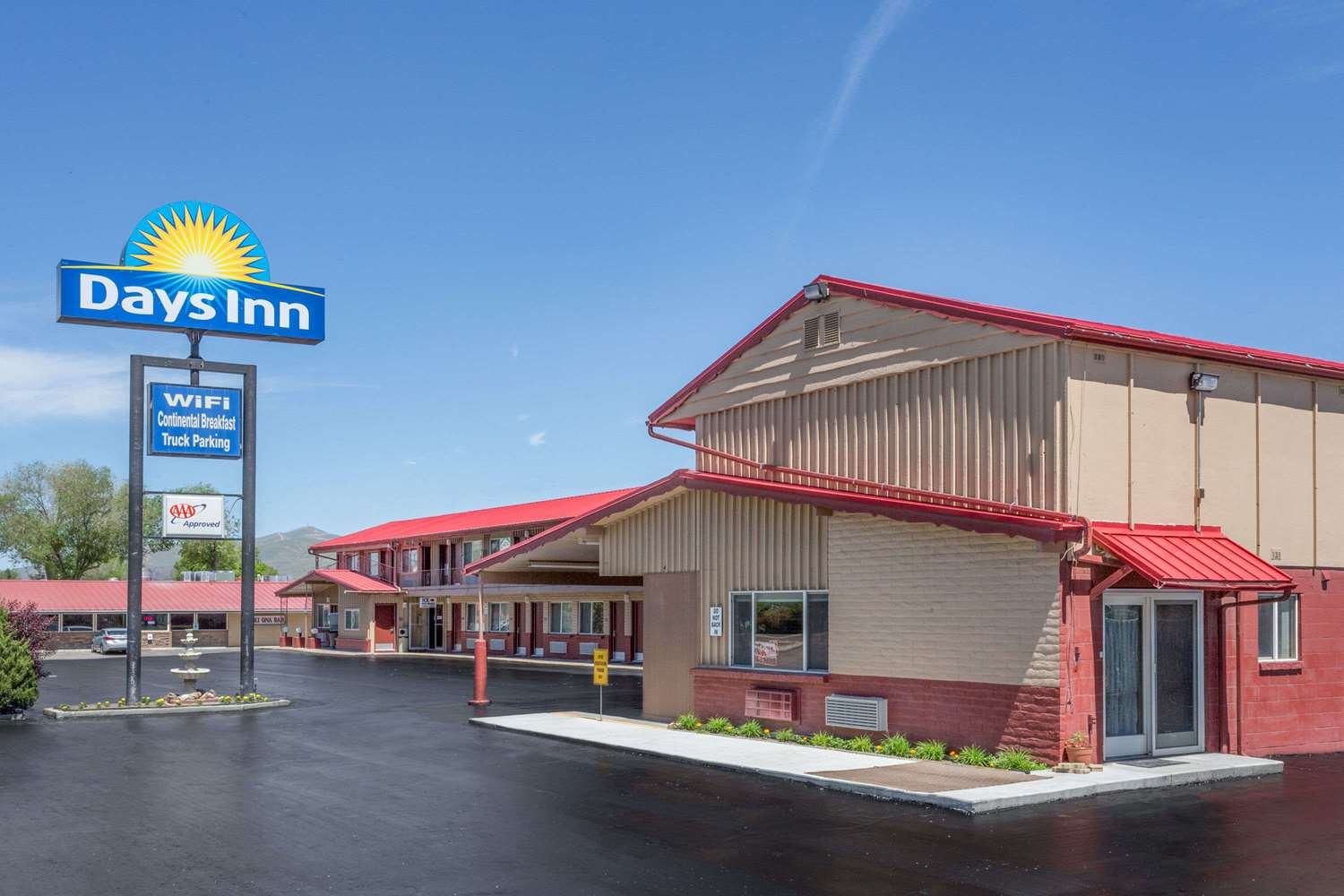 Exterior view - Days Inn Elko