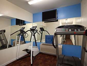 Fitness/ Exercise Room - Days Inn Ronks