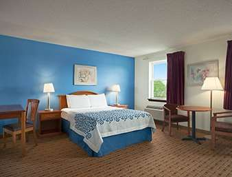 Suite - Days Inn Ronks