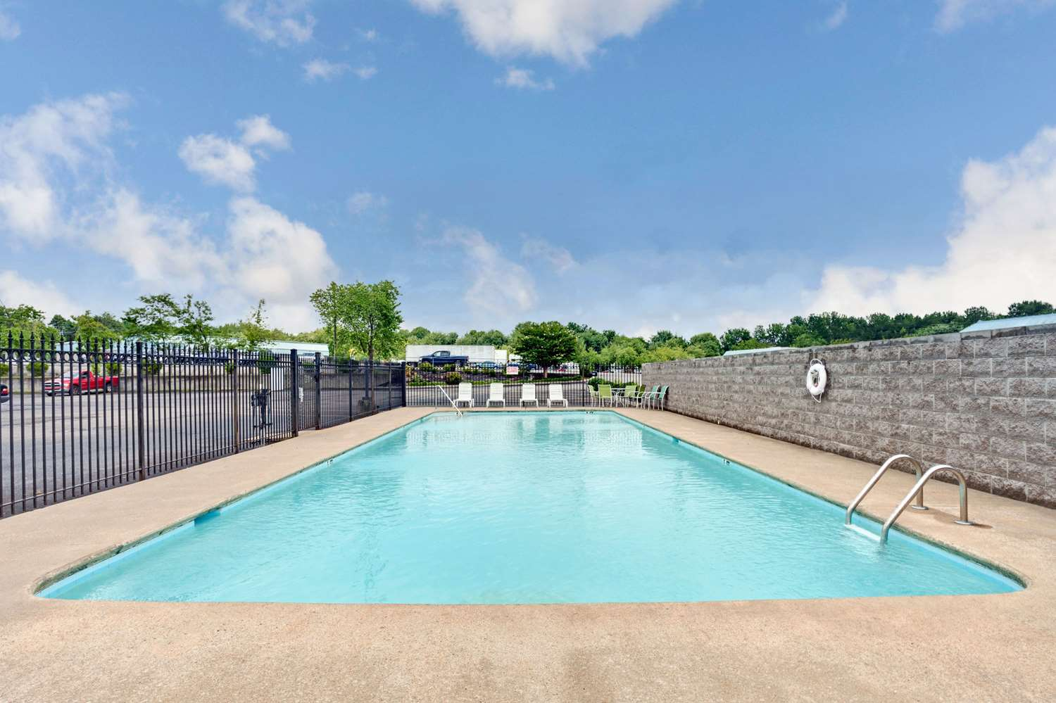 Pool - Days Inn Joelton