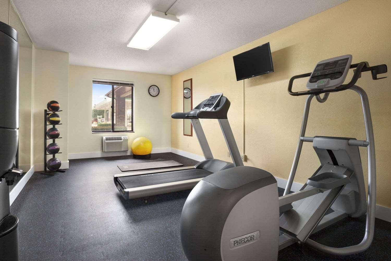Fitness/ Exercise Room - Days Inn Oglesby