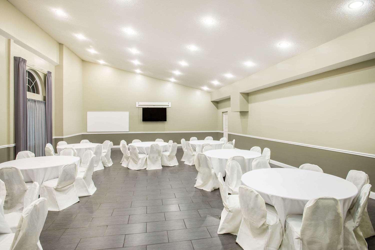 Meeting Facilities - Days Inn Cherry Hill