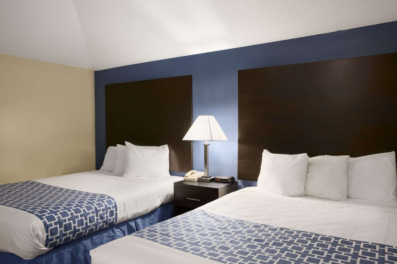 Suite - Days Inn Cherry Hill
