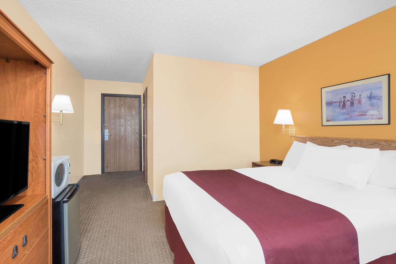 Room - Days Inn Wall