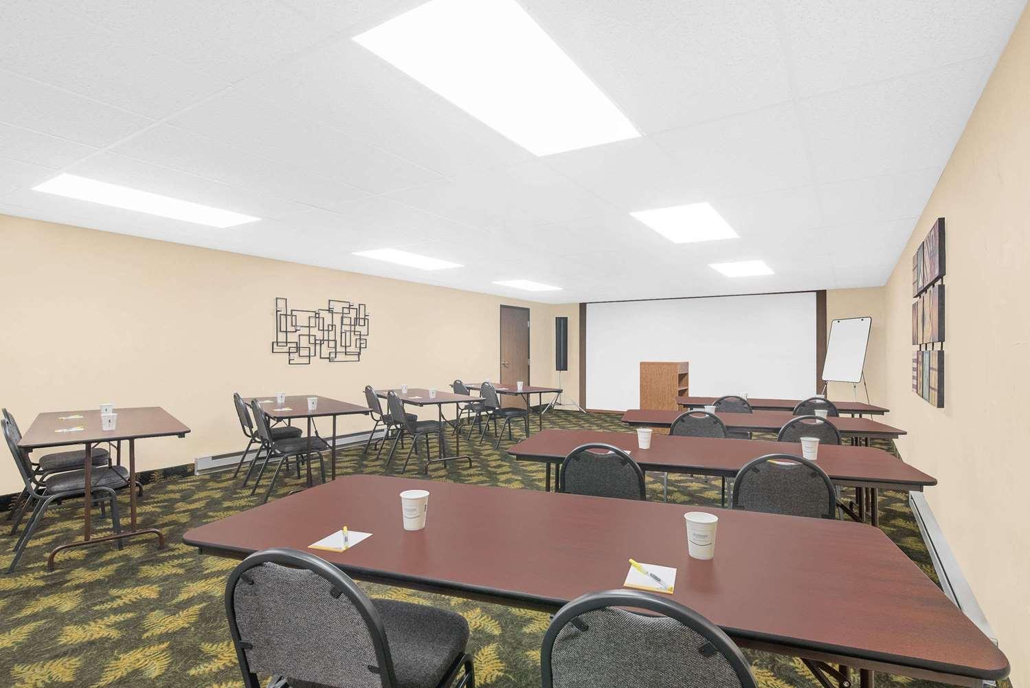 Meeting Facilities - Days Inn Wall