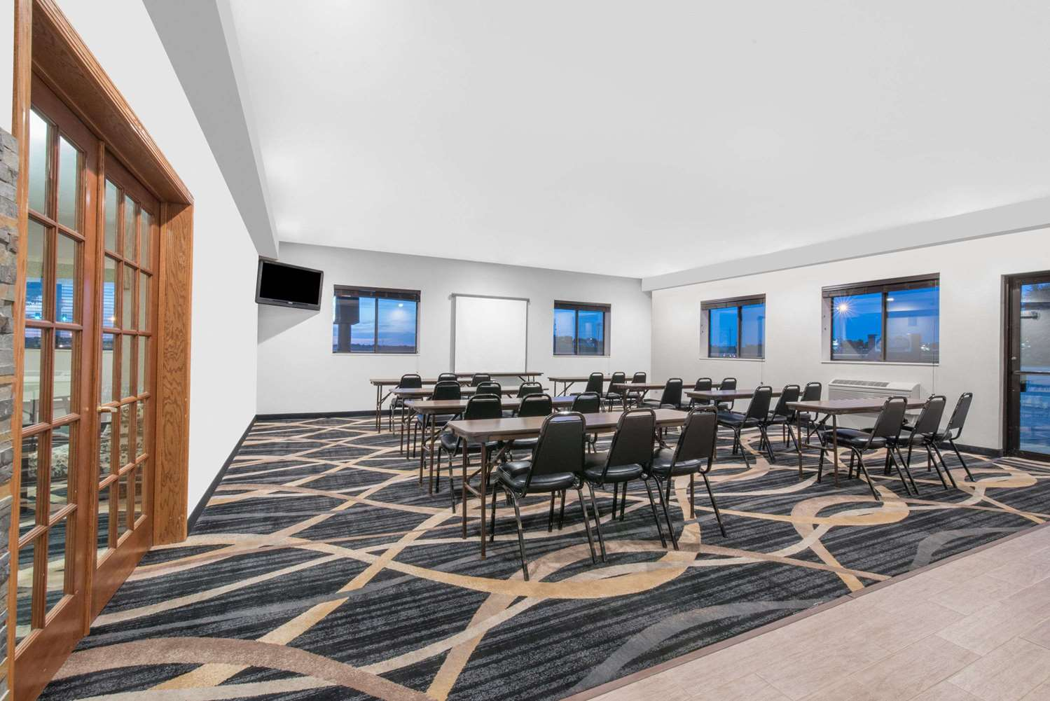 Meeting Facilities - Days Inn Watertown