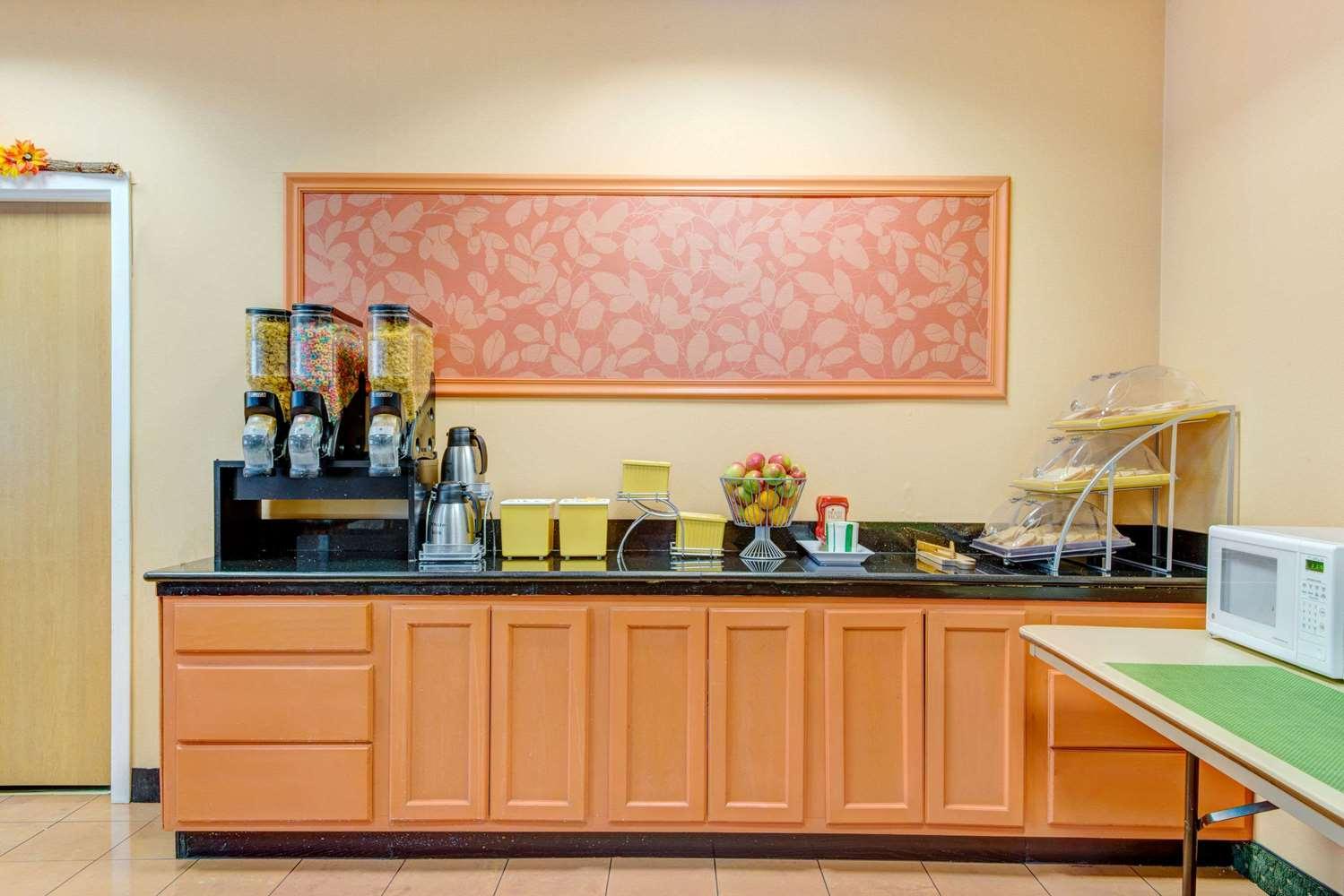 proam - Days Hotel & Conference Centre Methuen