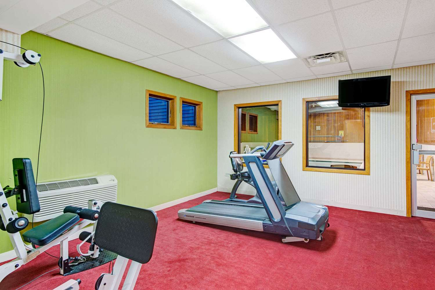 Fitness/ Exercise Room - Days Hotel & Conference Centre Methuen