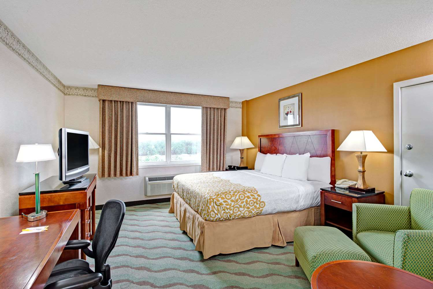 Room - Days Hotel & Conference Centre Methuen