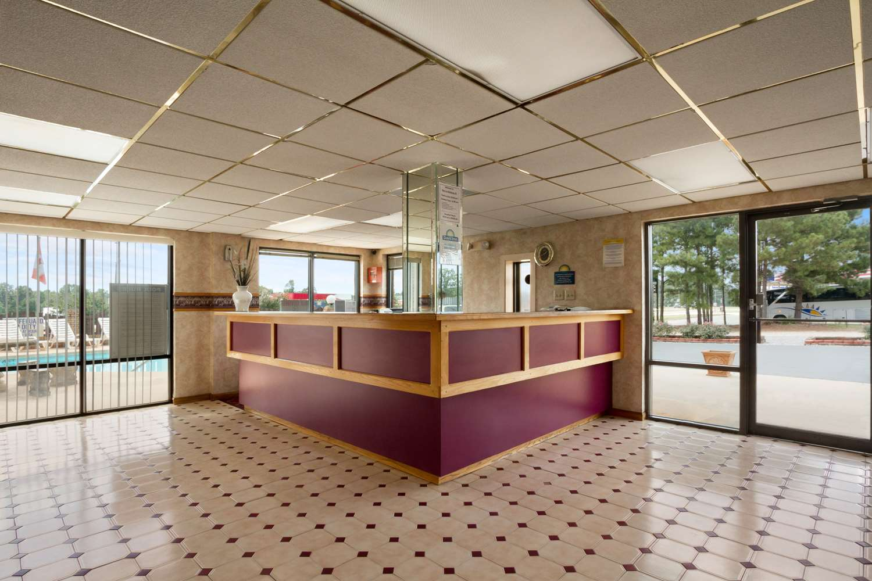Lobby - Days Inn Richburg