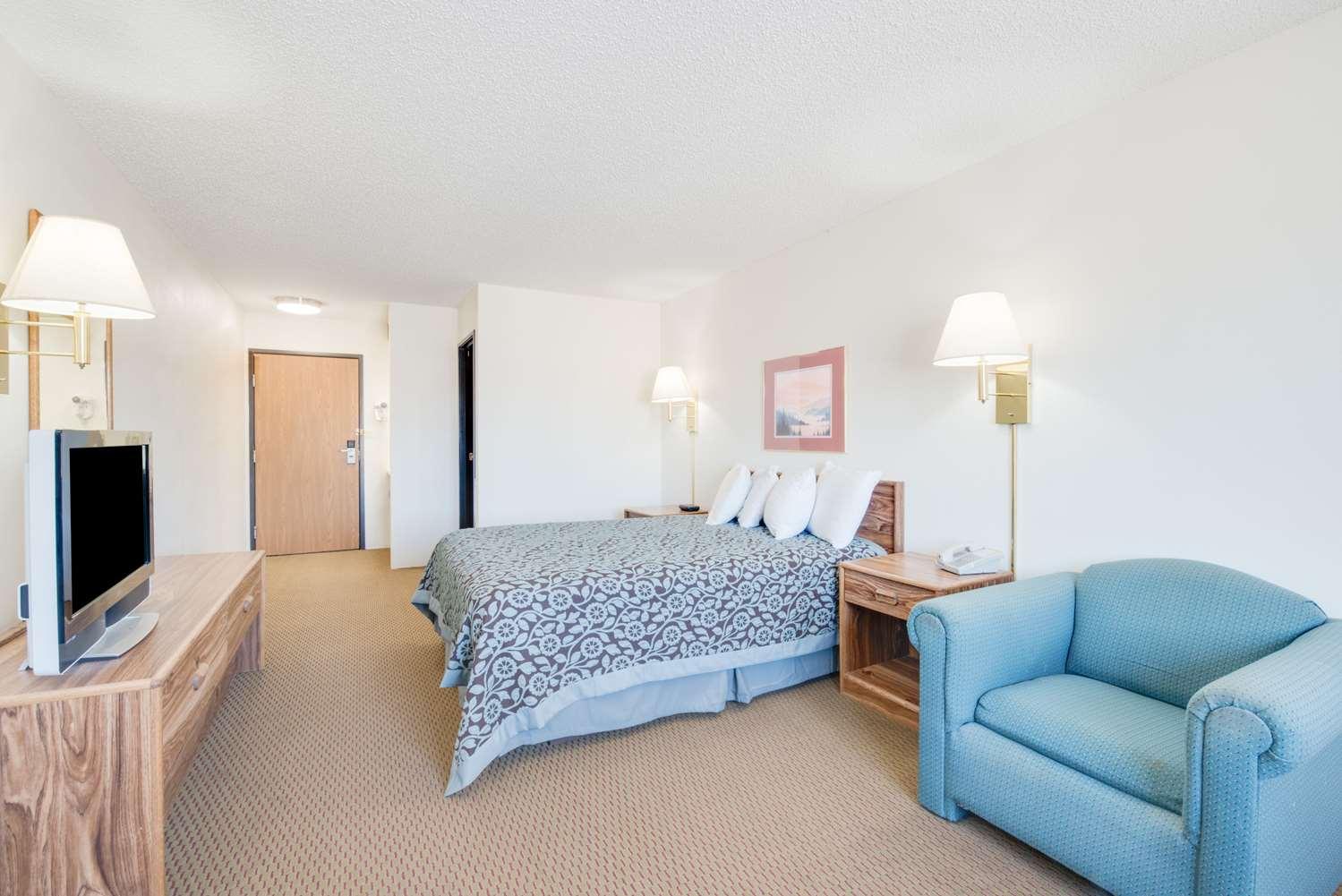 Room - Days Inn Sturgis