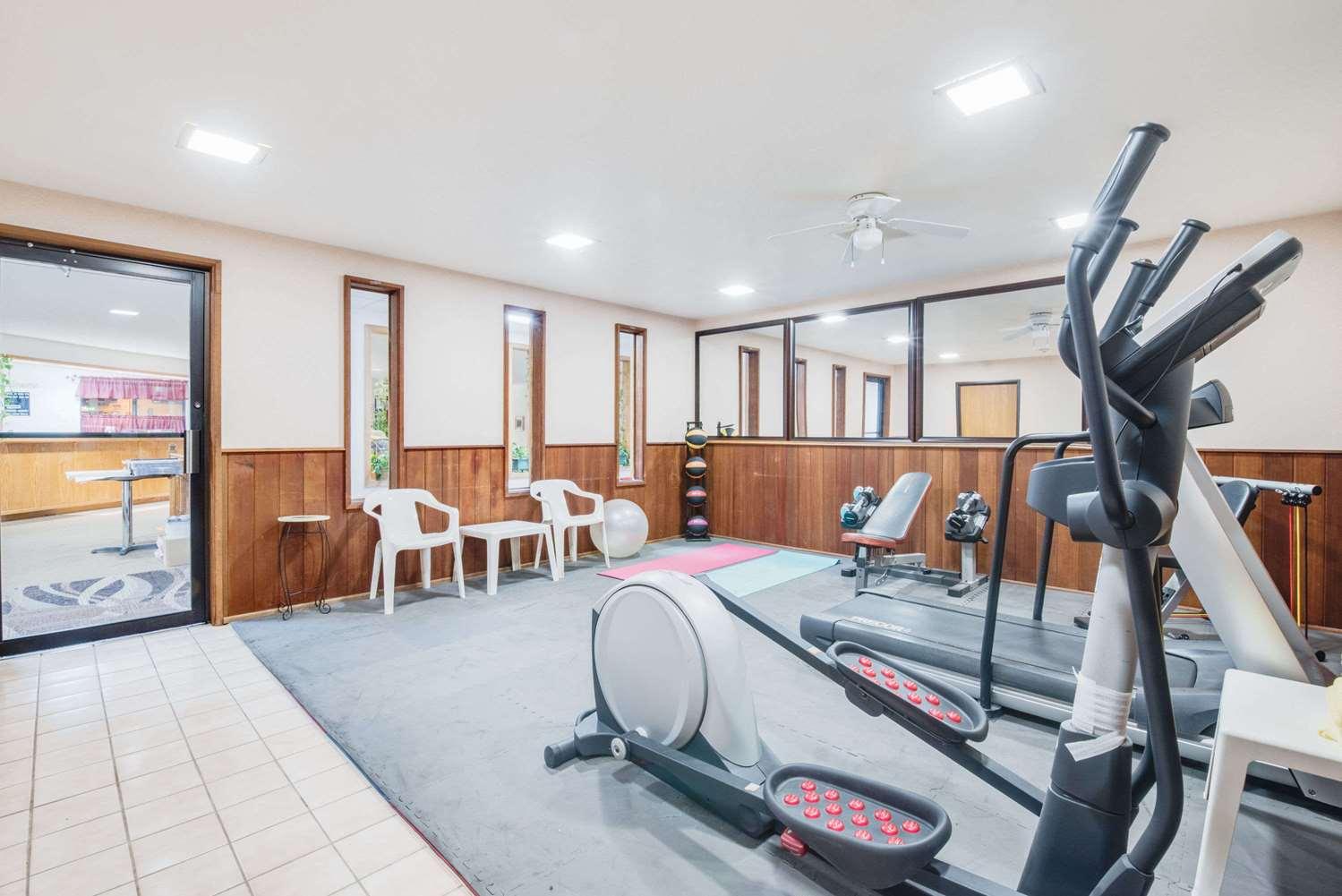 Fitness/ Exercise Room - Days Inn Sturgis