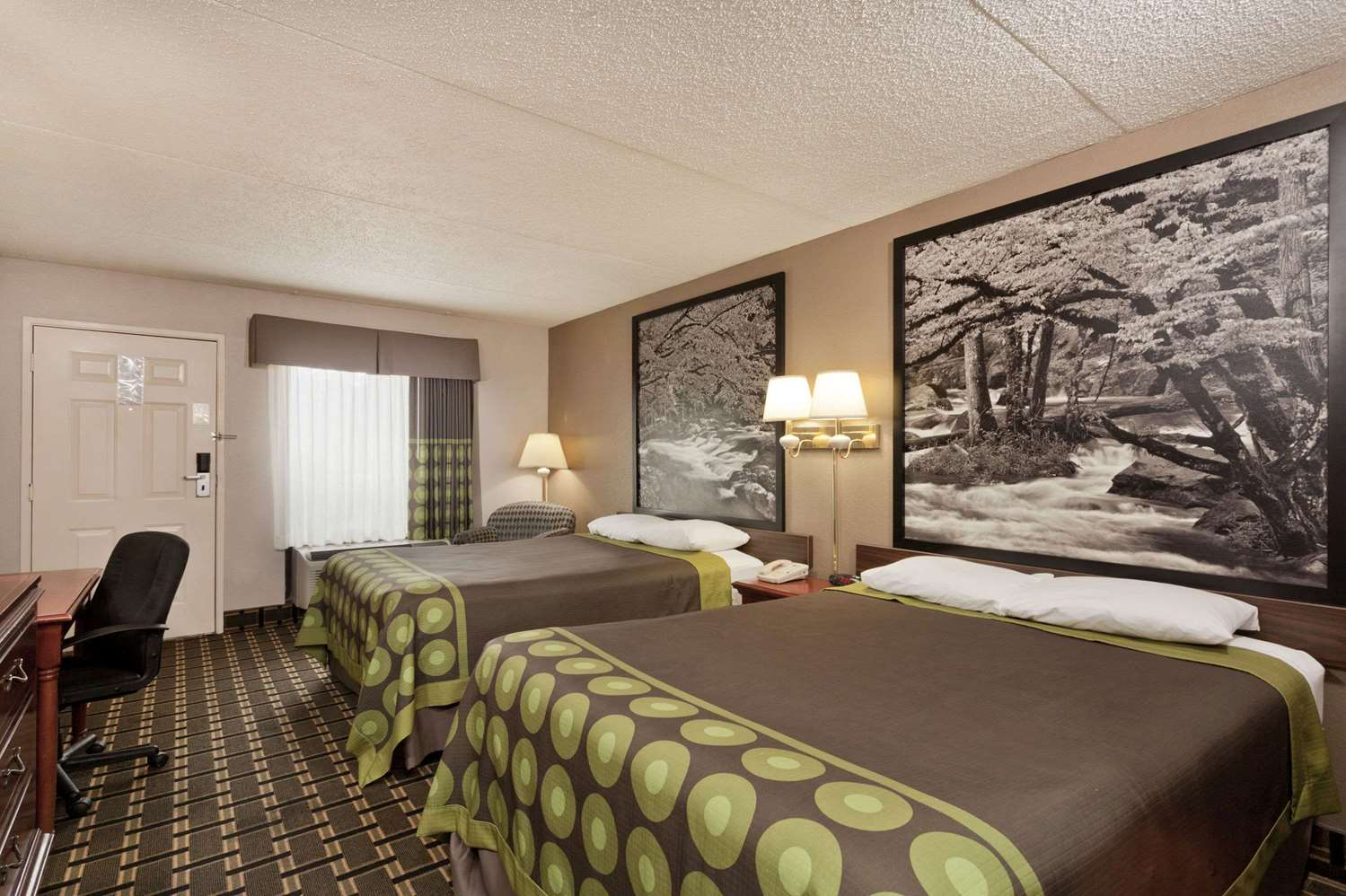 Room - Super 8 Hotel West Knoxville